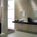 Baño en piedra reformado de baño en Zaragoza.