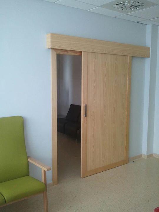 colocacion de puertas correderas con cajon krona y con guia exterior en zaragoza