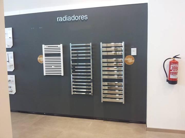 Venta y exposici n de materiales reformas valero redondo for Radiadores toallero