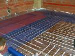 Colocacion de  calefacciones radiantes, suelos de hilo radiante, suelos radiantes de tuberia de agua.